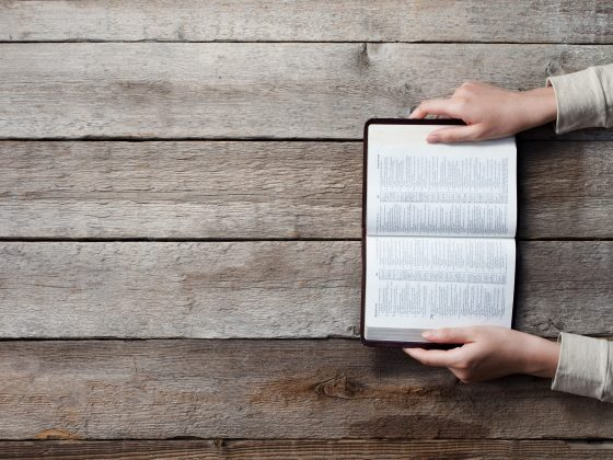 Defeating Distraction in Your Walk With God | The Grace and Moxie Life