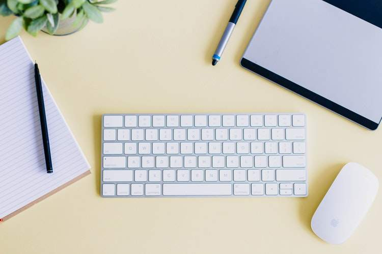 How to be Organized at Work | The Grace and Moxie Life